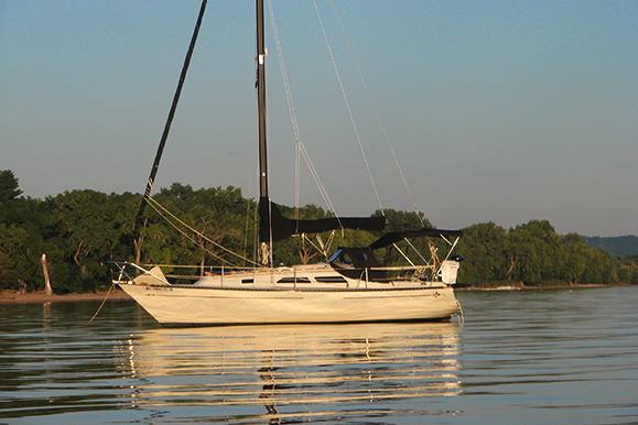 1976 Islander 28 – An Owners Review