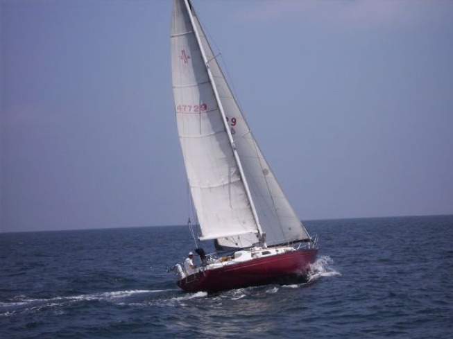 Islander  Sailboat Review